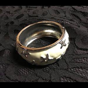 Starfish bracelet new never worn